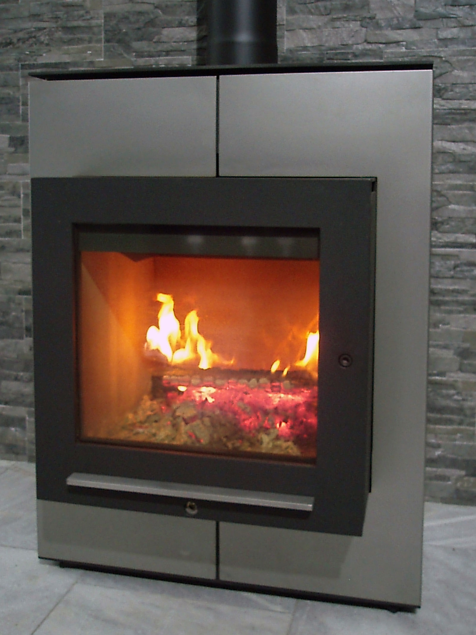 masavukmanovic.com - firecube fireplace 03